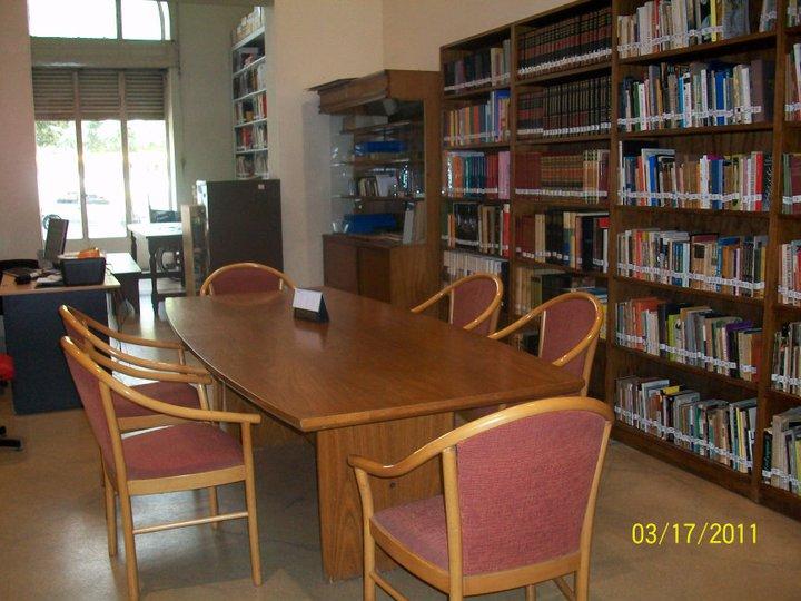 Biblioteca de Arte del MACLA